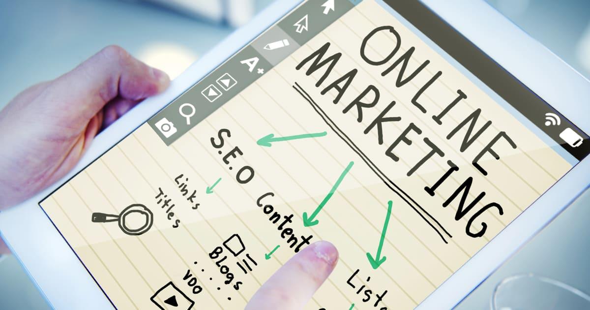 Как выбрать между рекламой и SEO-продвижением